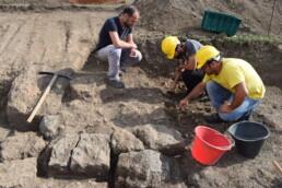 Archeologi al lavoro nello scavo del santuario del Manganello, Cerveteri