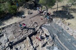Pani Loriga di Santadi (SU, Sardegna Sud Occidentale): ripresa da drone dello scavo del grande edificio punico (AREA B) ubicato sul versante nord-orientale della collina